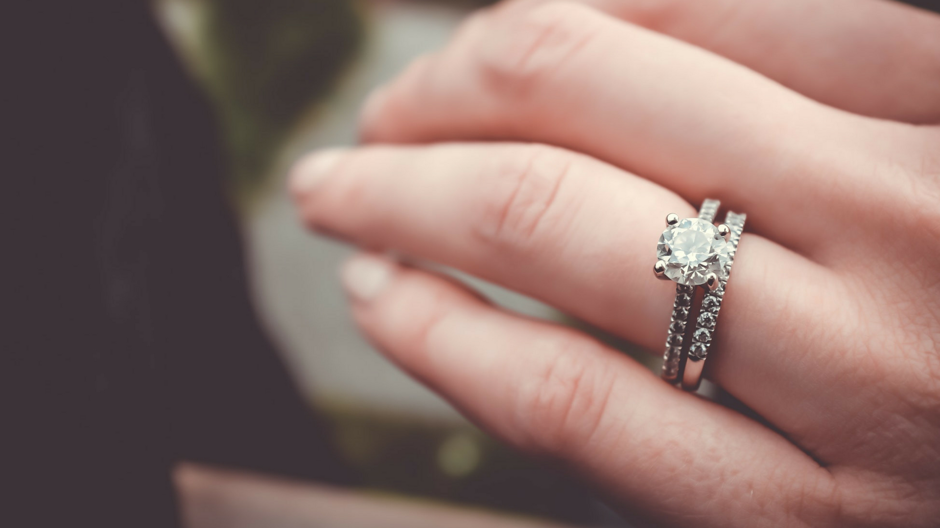 Your Ultimate Guide to Buying an Engagement Ring Cheers and