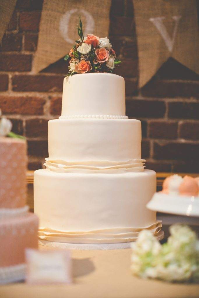 Wedding cakes Vs. Cupcakes