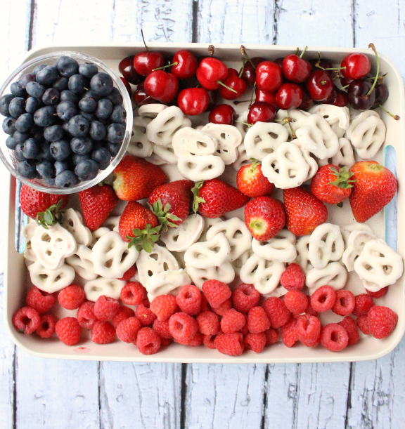 Flag Plate perfect for the 4th of July- Patriotic recipes!