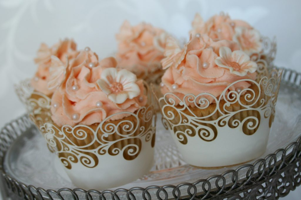 American Wedding Traditions: Cupcakes