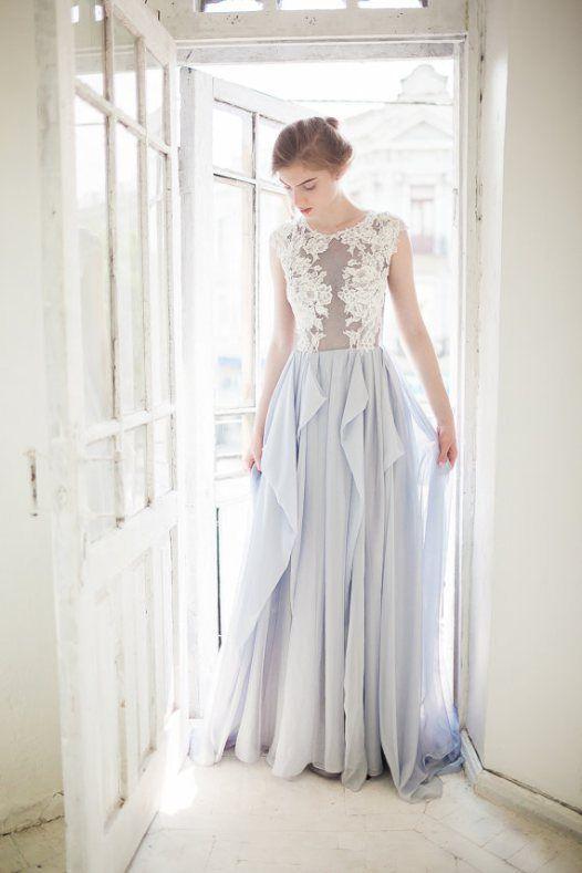 Choose a dusky gray wedding dress for your non-white wedding dress choice.