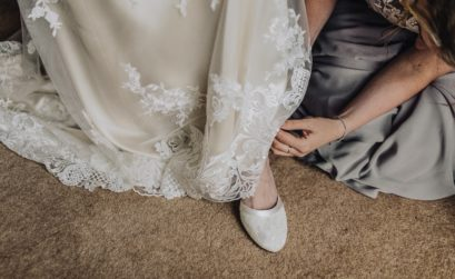 Maid of Honor Fixing Shoe