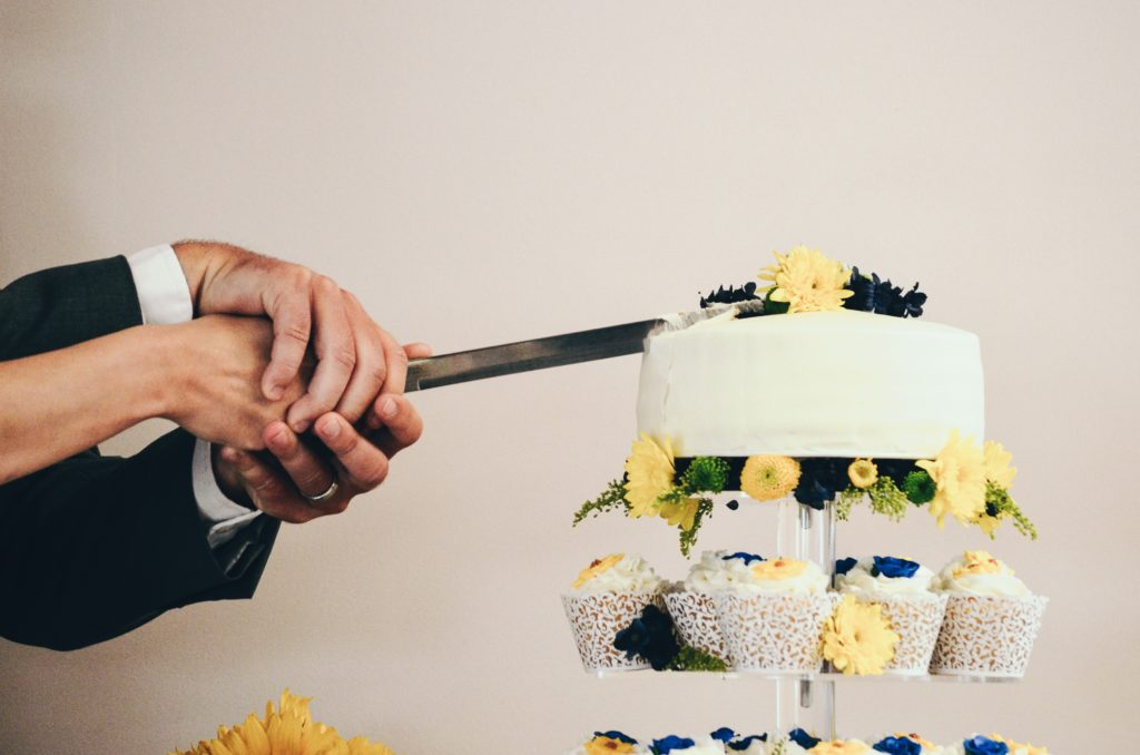 Personalize Your Cake Serving Set