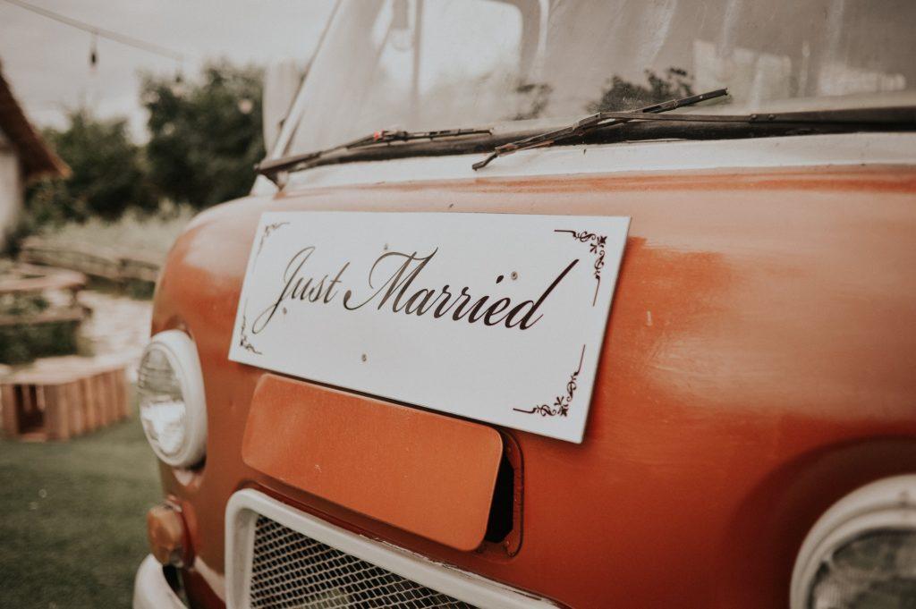 wedding planner coordinates final details