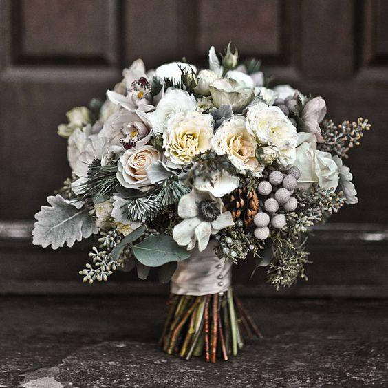 white winter wedding bouquets
