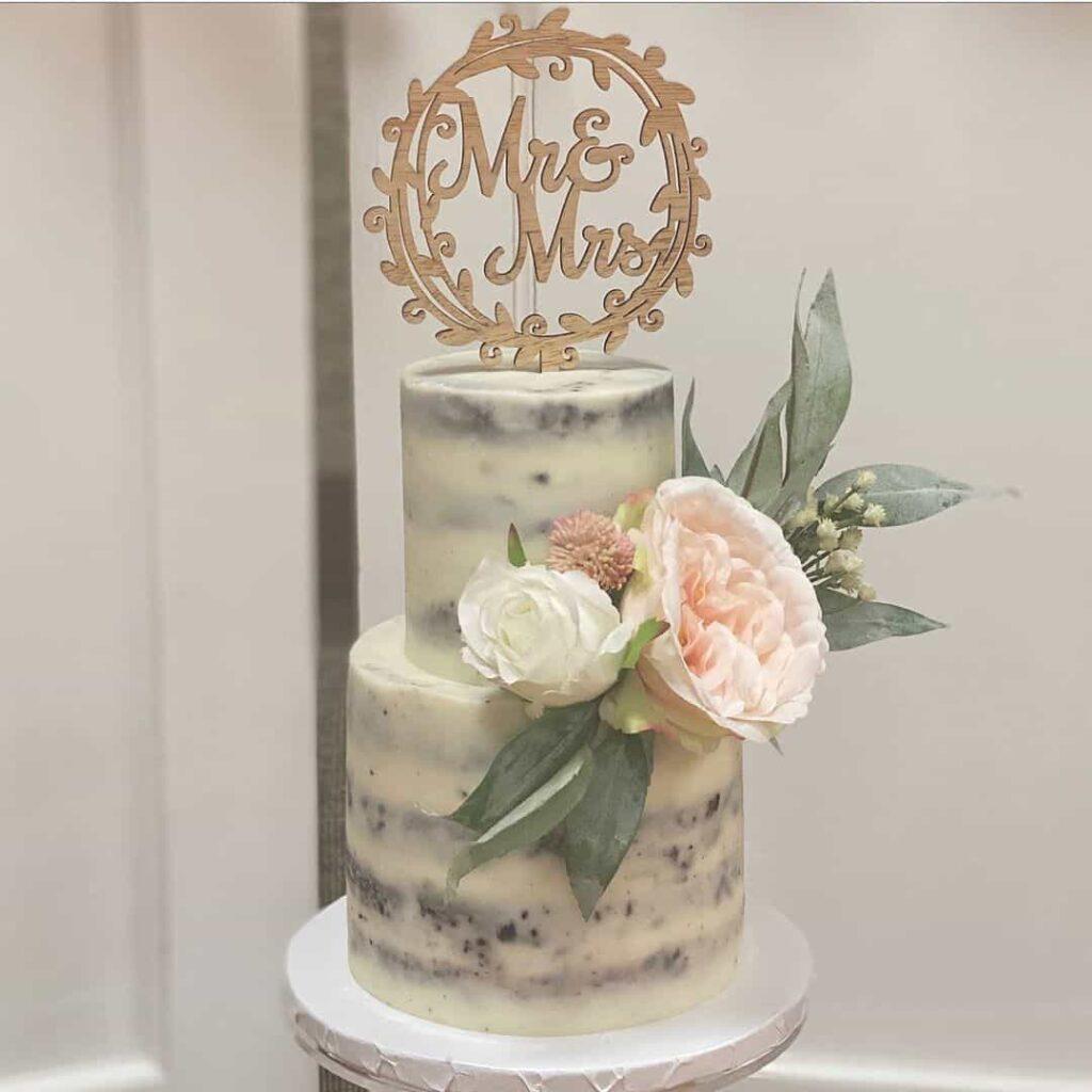 naked wedding cakes winter