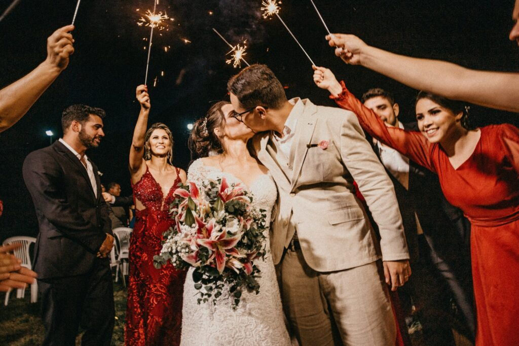 attire for bridesmen and groomswomen